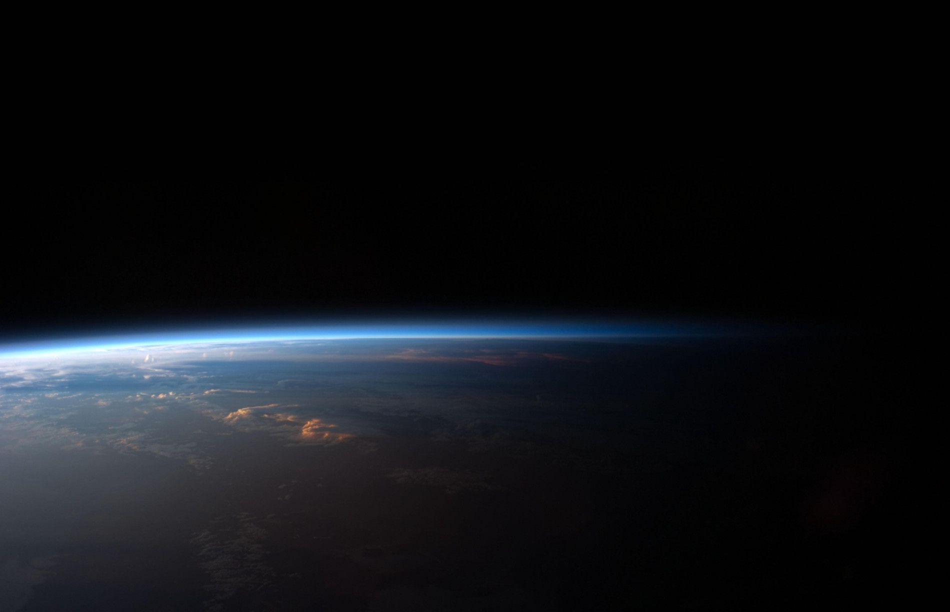 Earthrise3-smaller